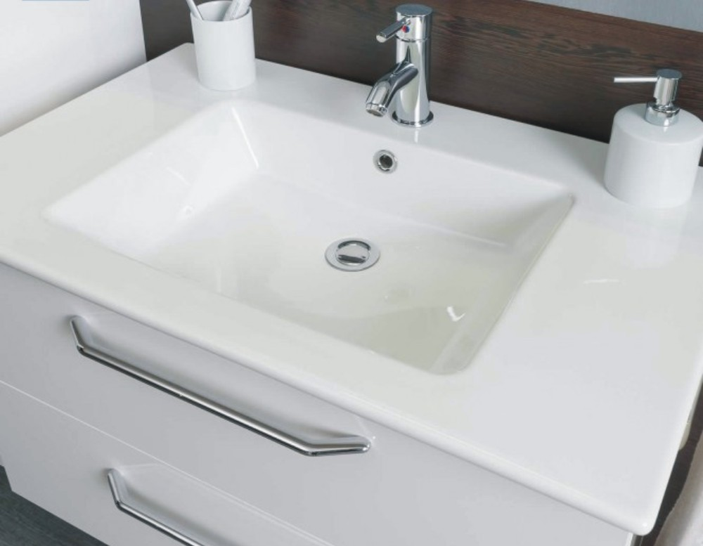 marlin badm bel cristall reuniecollegenoetsele. Black Bedroom Furniture Sets. Home Design Ideas