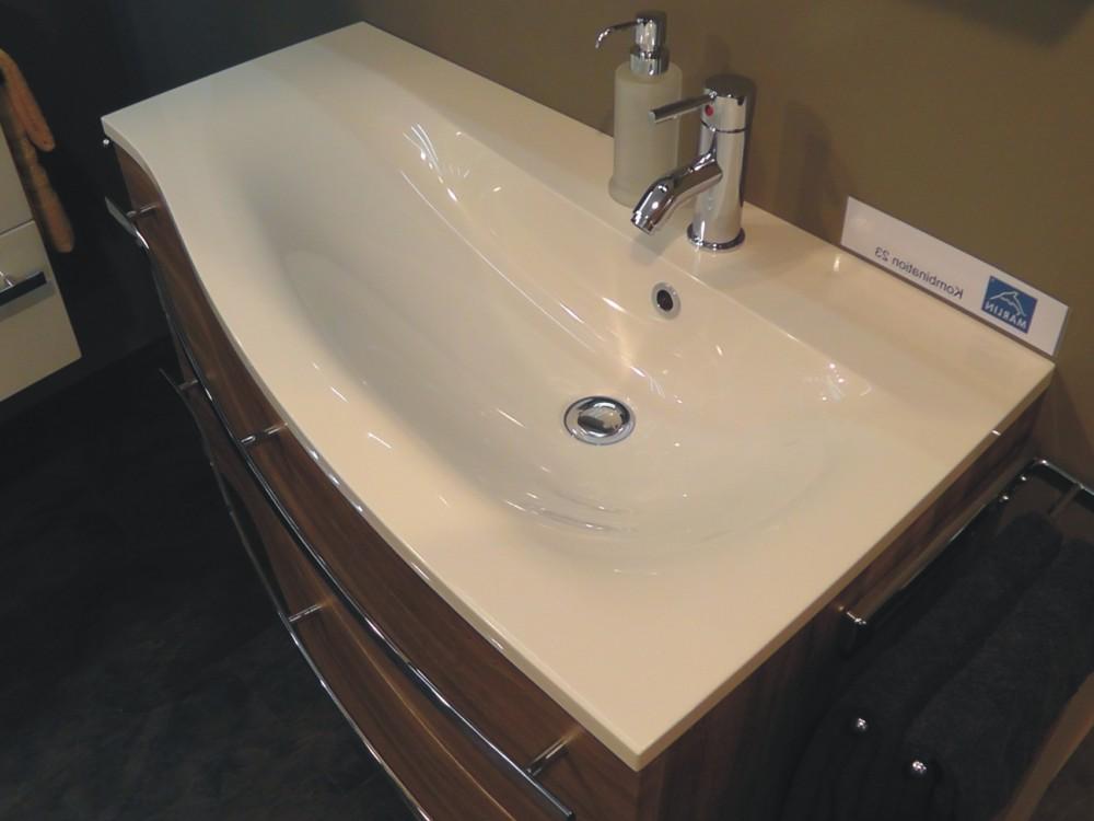 marlin motion badm bel center marlin motion badschrank kaufen marlin motion spiegelschrank. Black Bedroom Furniture Sets. Home Design Ideas