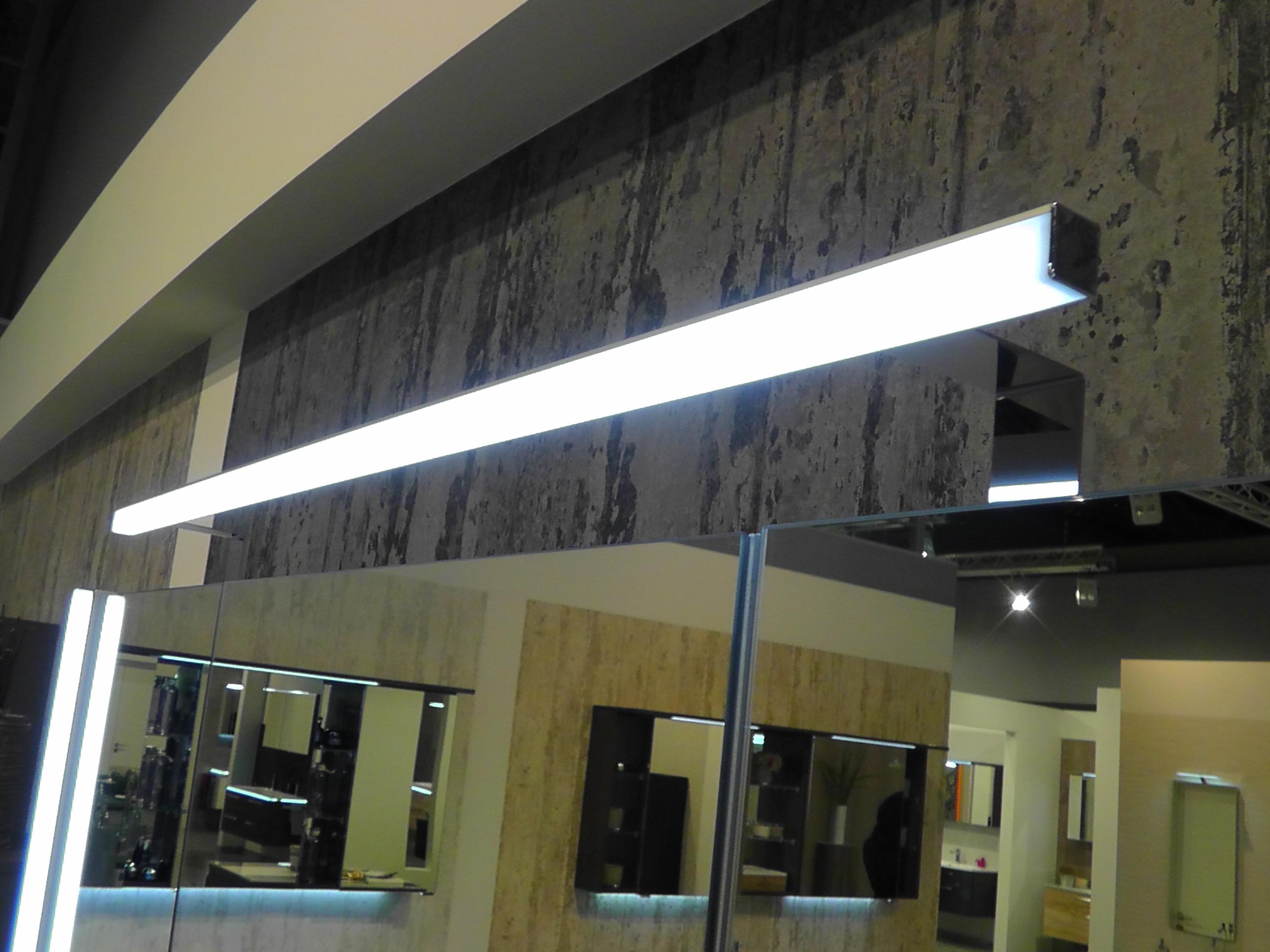 Puris linea sps b 130 cm badm bel g nstig arcom center for Spiegelschrank 130 cm