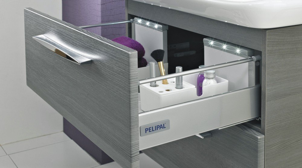 pelipal solitaire 9005 ideal standard softmood. Black Bedroom Furniture Sets. Home Design Ideas