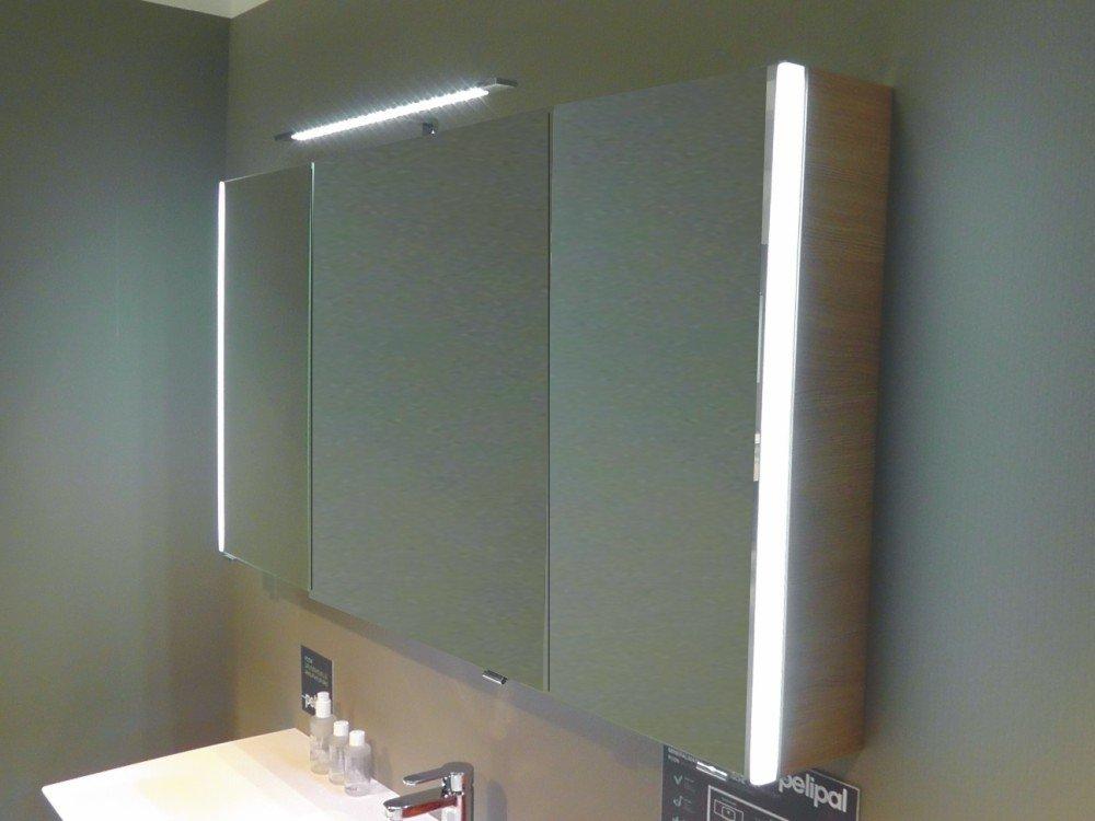 pelipal pcon spiegelschrank 3 t ren led arcom center. Black Bedroom Furniture Sets. Home Design Ideas