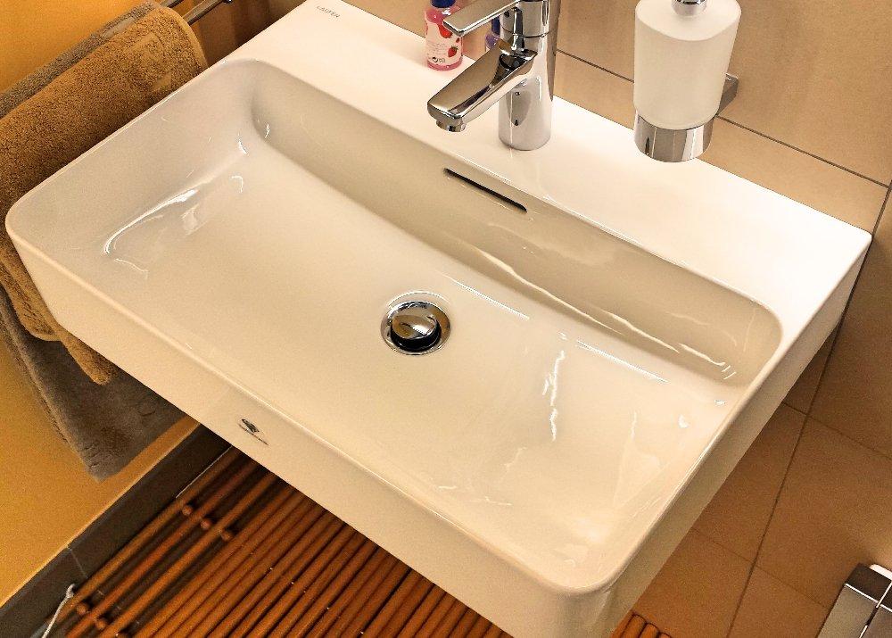laufen waschtisch perfect laufen living square waschtisch. Black Bedroom Furniture Sets. Home Design Ideas