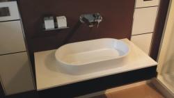 Waschbecken mit Unterschrank ohne Badarmatur
